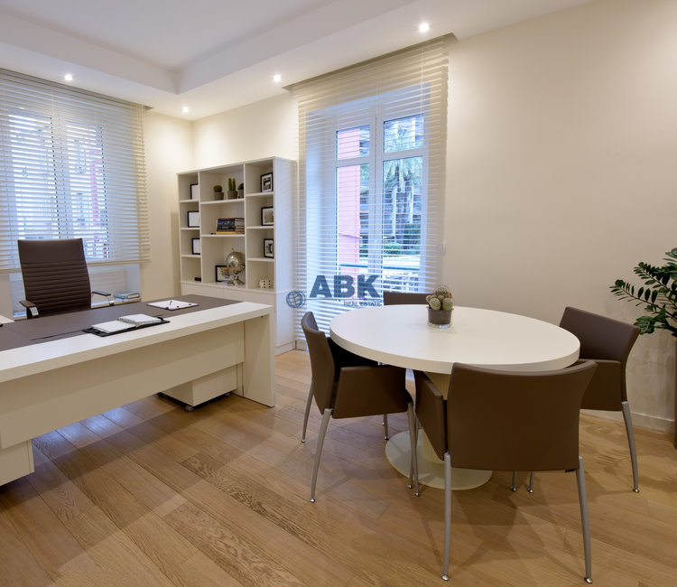 """""""CARRE D'OR"""" - OFFICE TO LET"""