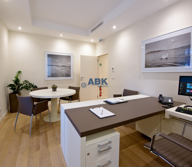 MAGNIFICENT 5 ROOM OFFICE – CARRÉ D'OR