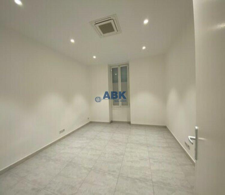 2 BEDROOM APARTMENT - MONTE-CARLO