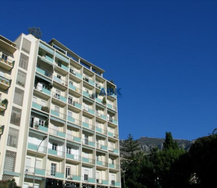 CARRE D'OR - 3 BEDROOM-APARTMENT TO LET