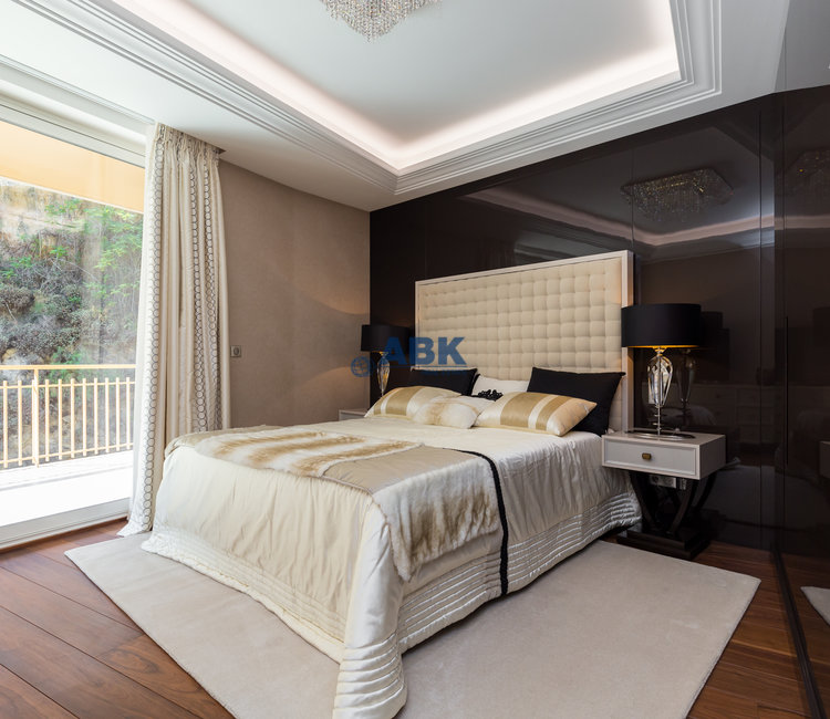 EXCLUSIVE AND PRESTIGIOUS APARTEMENT