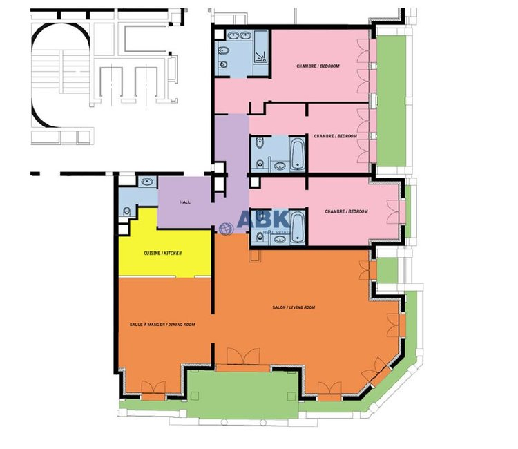 Large Apartment of 5 Rooms